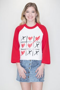 Tic Tac Toe Love Raglan by Caramelo Trend